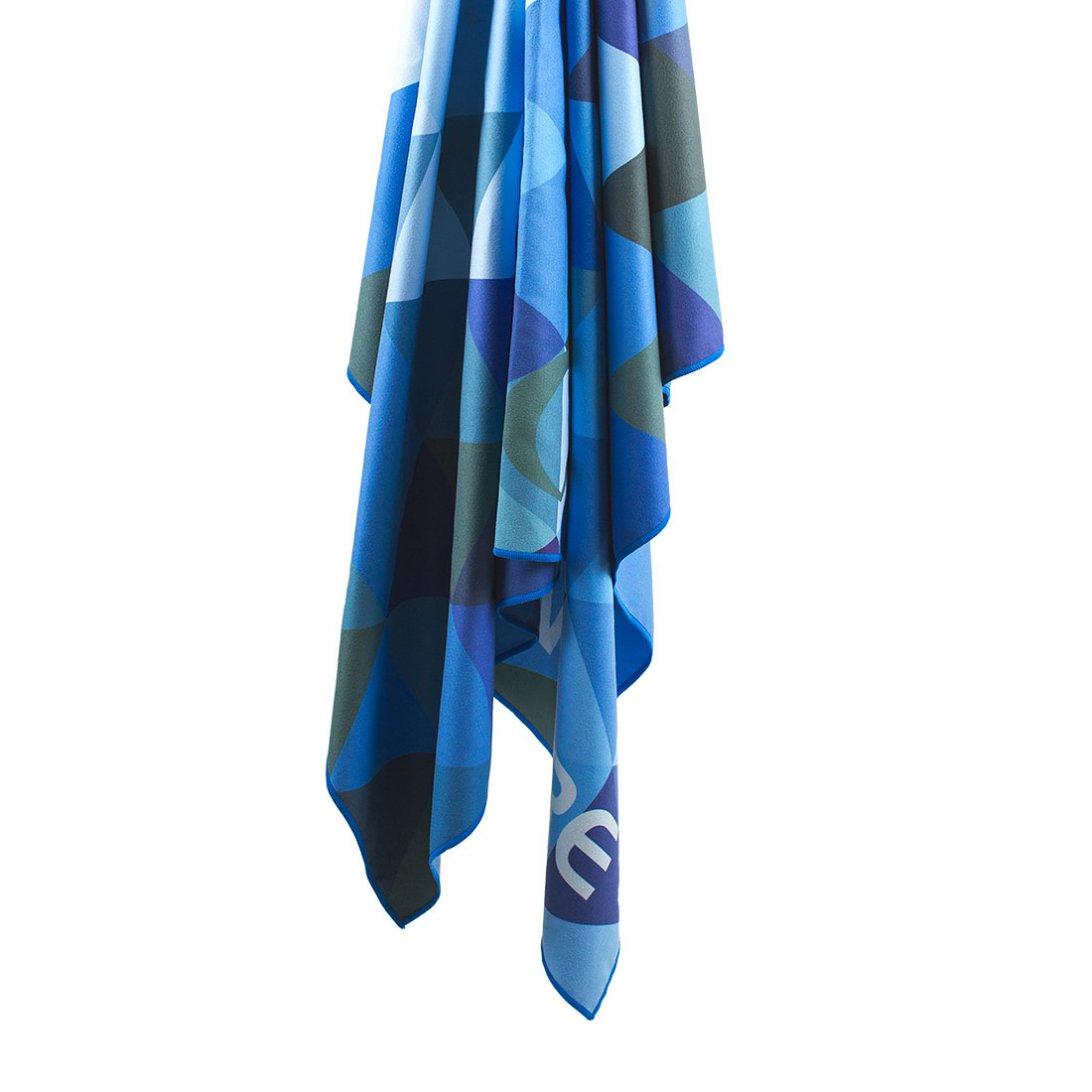 Softfibre Travel Towel Triangle Print Giant hanging - Blue