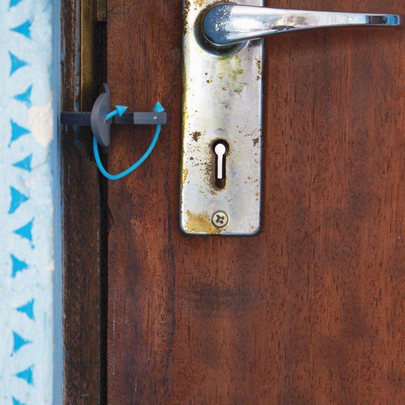 Travel door lock